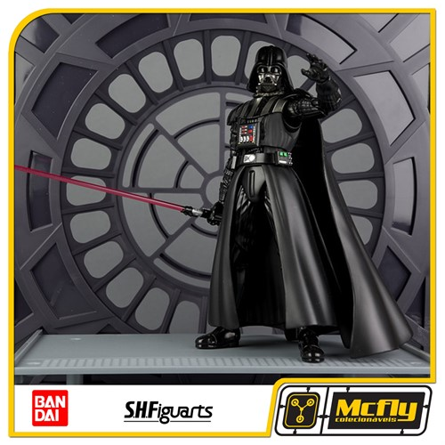 S.H Figuarts Darth Vader + Stand Star Wars
