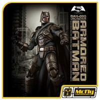 Beast Kingdom Armored Batman Battle Damage Ver DAH 005