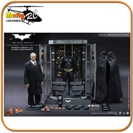 Hot Toys The Dark Knight BATMAN ARMORY WITH ALFRED PENNYWORTH MMS235