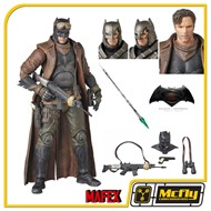 Medicom MAFEX 031 Batman v Superman Knightmare Batman Figures