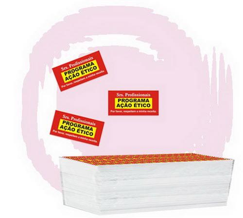 150.000 ETIQUETAS ADESIVAS 3X1,5cm 4 cores.