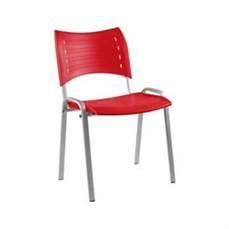 Cadeira com assento de plástico