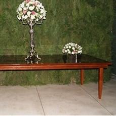 Mesa de madeira para bolo