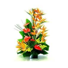 Arranjo de flores tropicais