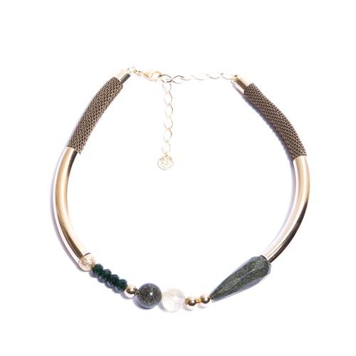 C.X110 (verde) Colar curto pedras Jaspe Verde, Quartzo Rutilo, Cristais e metais banhados a ouro