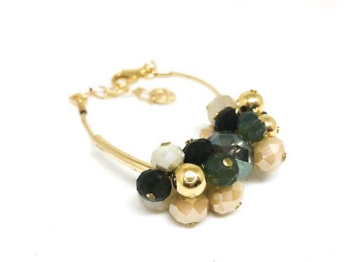 CT.P10 Pulseira cacho longo cristais verdes, off, e caramelos e metais banhados a ouro