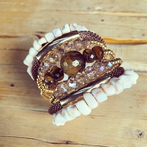 BCT.J01 Bracelete Pedra Olho de Tigre, Muokite em cascalho, Madrepérolas em cascalho, Cristais e metais banhados a ouro