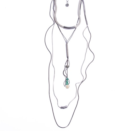 O16.C6 Colar longo pedra jade verde, Malaquita e Qtzo rutilolo com metais grafite