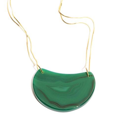 EPS.184.V Colar pedra Meia Lua Ágata verde com metais banhados a ouro