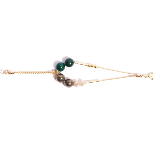 TR.P8 - Pulseira pedra Jade verde, perolas shell e metais banhados a ouro