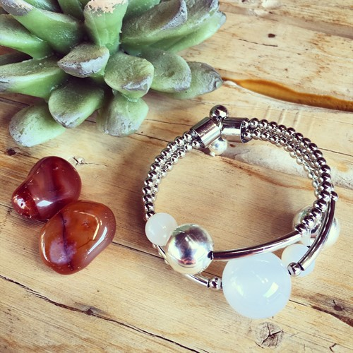 EPP.3.P (branca) Puls bracelete pedras Ágata e metais banhados a prata