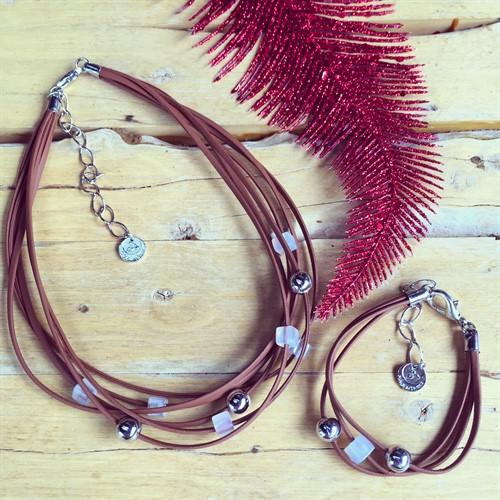 CJ.N2 (BRANCO) Conjunto colar e pulseira feitos com couro, pedras Agata brancas e metais banhados a paládio