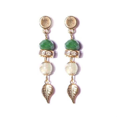 B5.AGO.14 Brinco cristais verde, esfera de prinite verde e metais folheados a ouro.