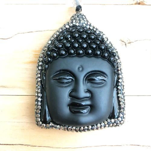 BUDA1 Colar luxo Buda de pedra ônix, strass swarovski, pérolas de murano, cristais e cordao encerado