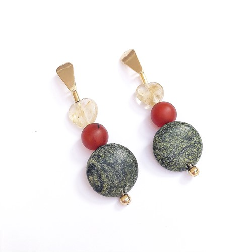 B.X150 Brinco médio pedras Jaspe Verde, Quartzo Rutilo, Agata e metais banahdos a oruo