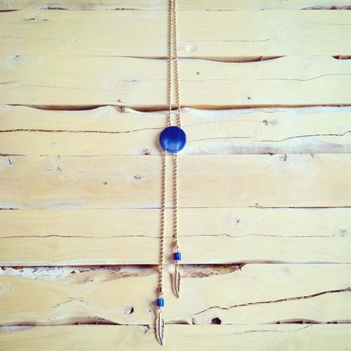 EPS.8.A (Azul) Colar longo de Pedras Naturais Ágata e metais banhados a ouro.