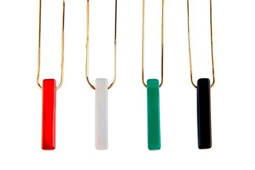 EPS.71 (opções de cores) Colar Filetinho de pedra brasileira ágata e corrente banhada a ouro.