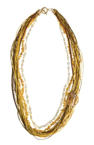 LR.C27 Colar fibras naturais, fio de couro, pedra natural Aragonita em cascalho  e pedra natural Cristal rutilado.