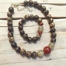 BN.C33.M  Conjunto de Gargantilha e Pulseira com pedras Ágata marrons, Pedras Quartzo Rutilo, Sementes de paixubão e metais banhados a ouro