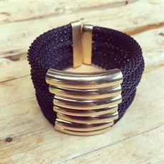 BCTD.9.2 (preta) Bracelete malha de aluminio preta e metais banhados a ouro