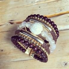 BCT.X121 Bracelete pedra Howlita, pedras Jade, madeira e metais banhados a ouro