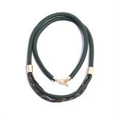 NU.C10 Colar longo cordas e metais banhados a ouro