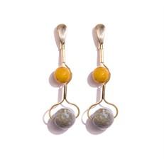 TR.B15 - Brinco longo pedra Jade mostarda e Labradorita com metais banhados a ouro