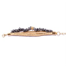 FN.P9 Pulseira pedra natural Obsidiana em cascalho, fibras naturais e metais banhados a ouro.