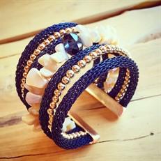 BCT.A5 Bracelete Madrepérolas, cristal, malha de alumínio azul e metais folheados a ouro.