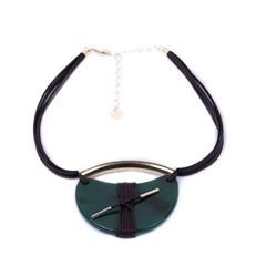 CP.C8 Colar pedra Mei Lua Ágata Verde, couro ecologico café e metais banhados a ouro