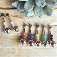 EPB.10 (OPÇÕES DE CORES) Brinco esferas de pedra Ágata e metais banhados a ouro