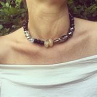 C.X98.1 colar choker Pedras naturais Quartzo Rutilo, Ágata mescladas e crisyais com metais banhados a ouro