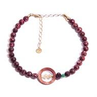 TR.C2 Colar gargantilha pedras Zoisita vermelha, Madrepe´rolas, esfera de Quartzo verde e cristais com metais banhados a ouro