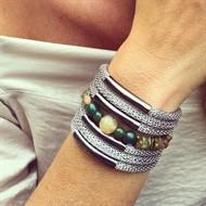 O16.BCT6 Bracelete Pedras Malaquita, Jade verde, Quartzo Rutilo e metais banhados a paladio e grafite