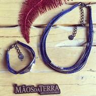CJ.N1 (AZUL) Conjunto colar e pulseira feitas com fibras naturais (palha de arroz) e metais banhados a paládio e grafite