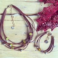 CJ.N2 (AMARELO) Conjunto colar e pulseira feitos com couro, pedras Agata amarelas e metais banhados a ouro