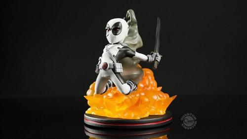 Deadpool Cinza MARVEL - Q-Fig - QUANTUM MECHANIX Exclusivo Loot Crate
