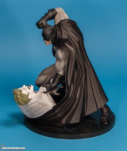 Batman-Hunt the Dark Knight - Batman the Dark Knight Returns ArtFX - Kotobukiya