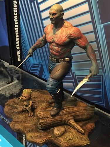 Drax e Baby Groot Estatua Marvel Gallery Guardiões da Galáxia Vol. 2 - Diamond Select Toys
