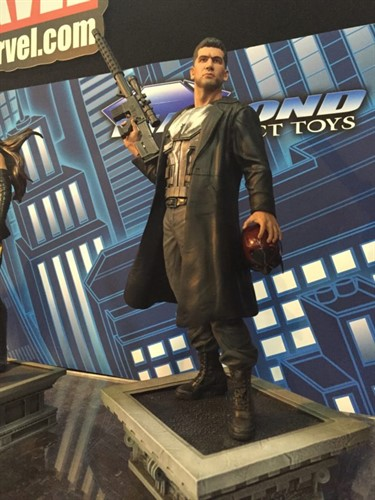 Punisher Justiceiro Netflix Estatua Marvel Gallery - Diamond Select Toys