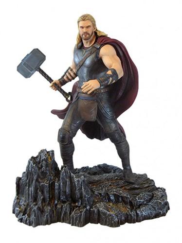 Thor - Thor Ragnarok Estatua Marvel Gallery - Diamond Select Toys