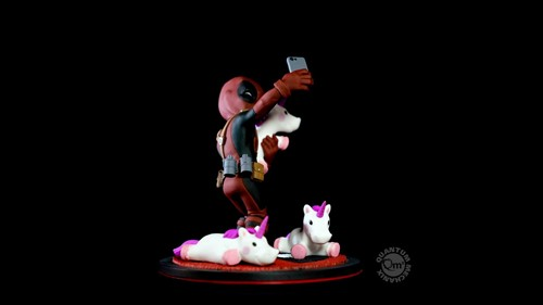 Deadpool com unicornioselfie MARVEL Q-Fig - QUANTUM MECHANIX