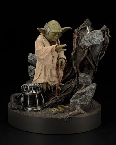 Mestre Yoda Star Wars Versão Império Contra-Ataca - ARTFX Kotobukiya