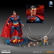 Superman DC Comics - Escala 1/12 Action Figure - Mezco Toys