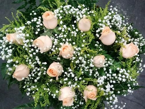 Bouquet 12 rosas chá