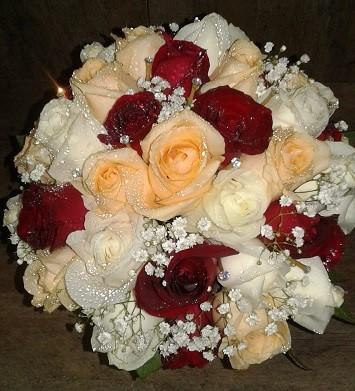 Bouquet de Noiva Rosas - Vermelha, chá e branca