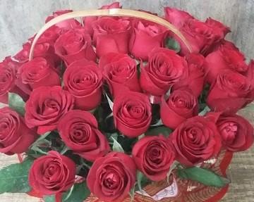 Cesta de Rosas Vermelhas - Para os apaixonados