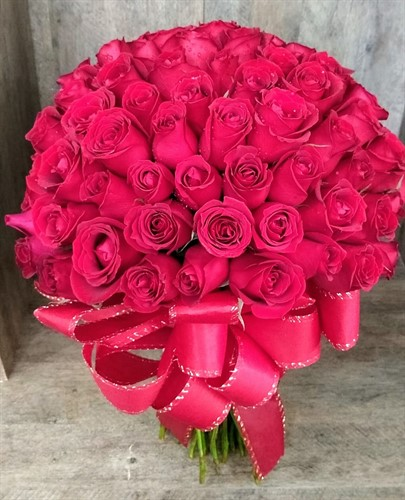 ESPETÁCULO de Bouquet 100 rosas vermelhas - MAIOR AMOR DO MUNDO!