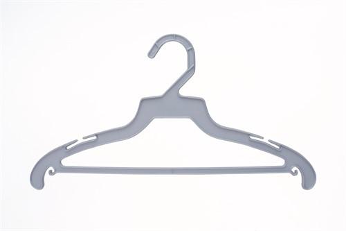 Cabide para roupas Basic Kit c/ 10 un.