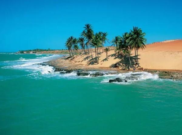 Excursão à Praia da Lagoinha